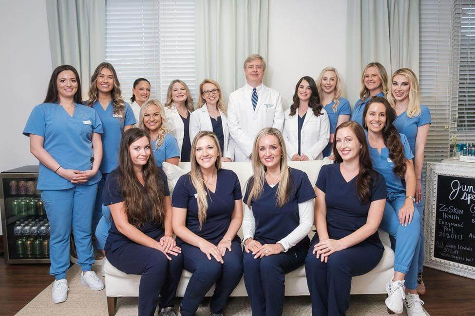 Team photo of Dr. O'neill, Dr. Swartz, and 14 other staff members