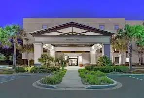 Hampton Inn Hotel Entrance